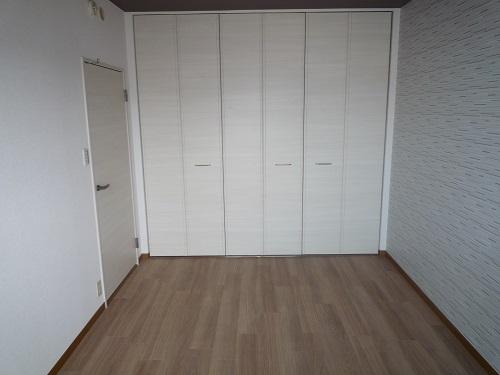 リヴェール伊賀Ⅱ / 405号室洋室