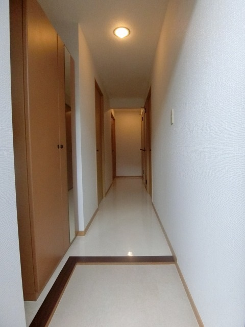 ファミーユ博多の森 / 103号室玄関