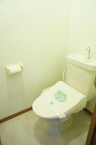 シャルム空港南 / 203号室トイレ