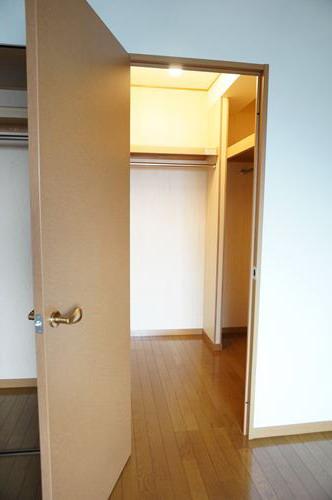 シャルム空港南 / 303号室収納