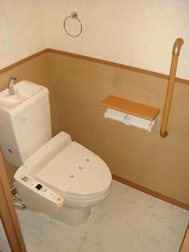 リヴェール高田 / 103号室トイレ