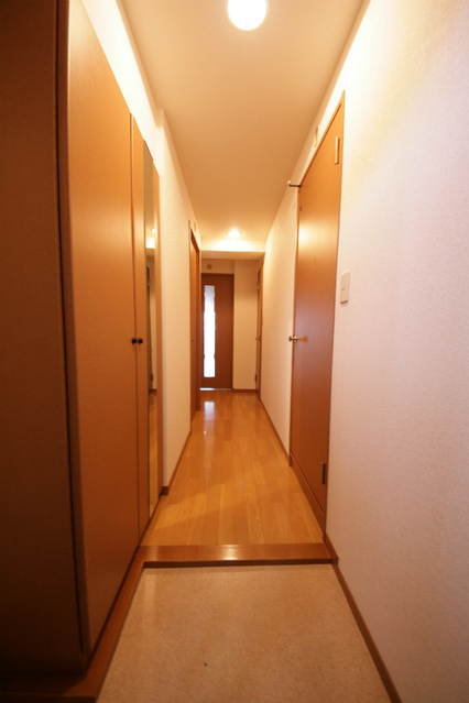 シャトレ東 / 301号室玄関