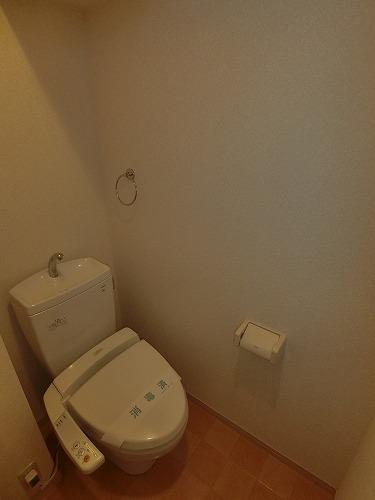 エアポートハイム東平尾(ペット可) / 203号室トイレ