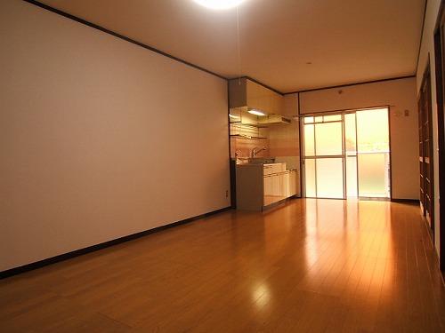 アベニュー88 / 302号室リビング