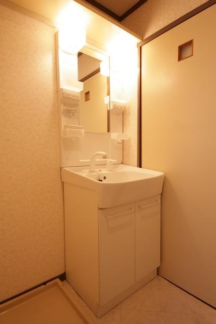 エクセレント古田 / 102号室洗面所