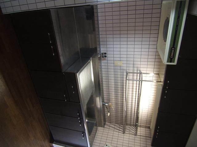 ハイ・コート / 402号室キッチン