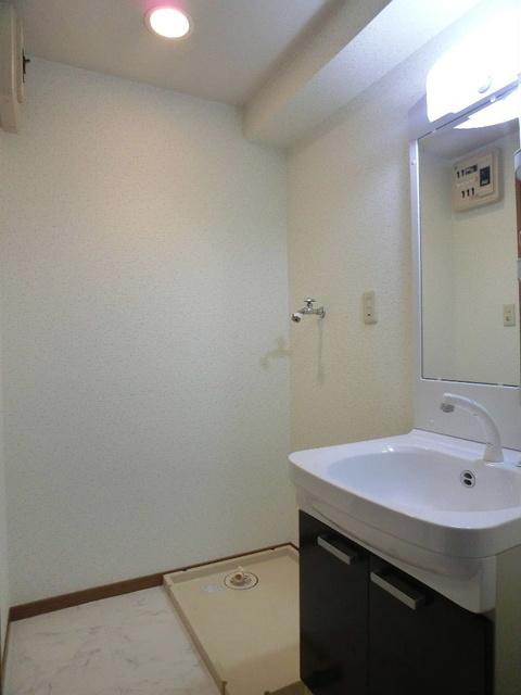 グランベルデ丸善 / 505号室洗面所