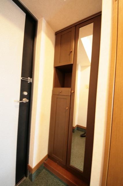 サークルフロント / 105号室玄関