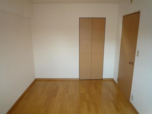 マノワール箱崎 / 203号室洋室