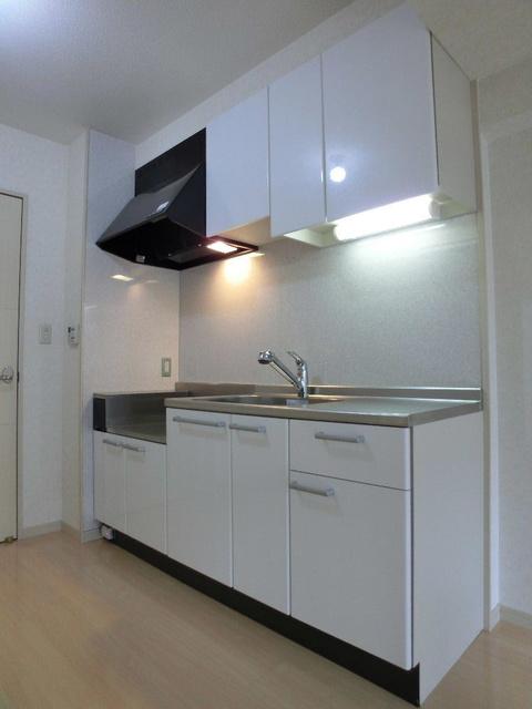 カーム ヴィラ / 202号室キッチン
