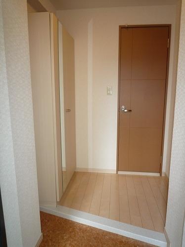 アスティオン中島 / 303号室玄関