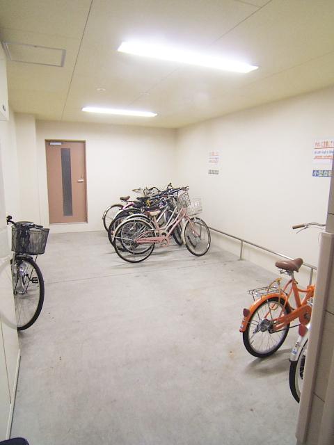 グランシャリオ / 602号室駐輪場