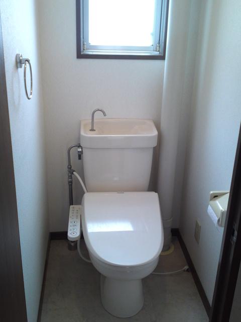 サンハイツKUDO / 201号室トイレ