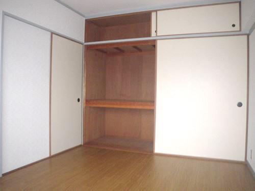 シティハイツ篠栗 / 302号室洋室