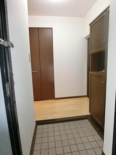 リバーサイド貝田 / 202号室玄関