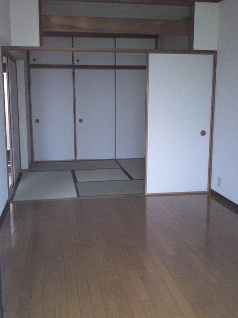 リバーサイド貝田 / 402号室