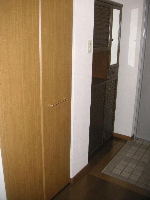 プレミール須恵 / 203号室玄関