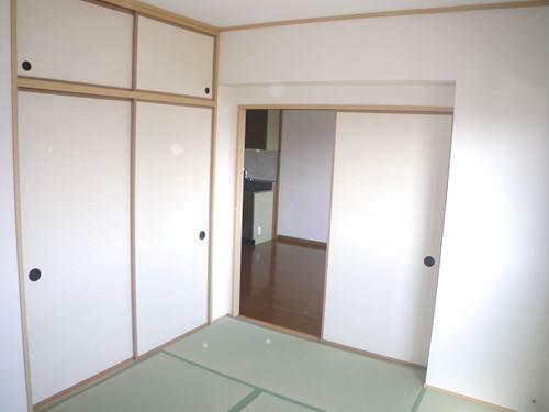 キャピタル長者原 / 301号室和室