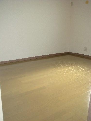 メロディハイツ戸原 / A-202号室洋室
