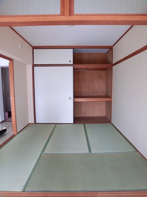 エステート篠栗 / 102号室収納