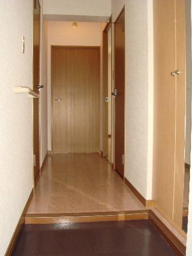 リヴェール伊賀Ⅱ / 102号室玄関