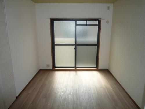 リヴェール伊賀Ⅱ / 201号室洋室