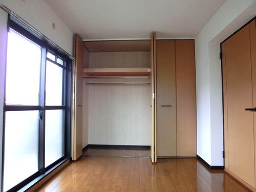 ルミエール・アーサ / 401号室洋室