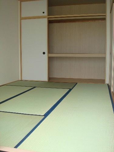 アイビーハイツⅡ / 203号室和室