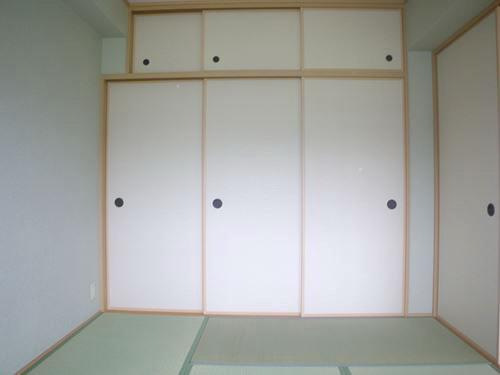 カンフォーロ藤木 / 202号室収納