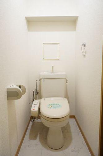 ファミーユ博多の森 / 105号室トイレ