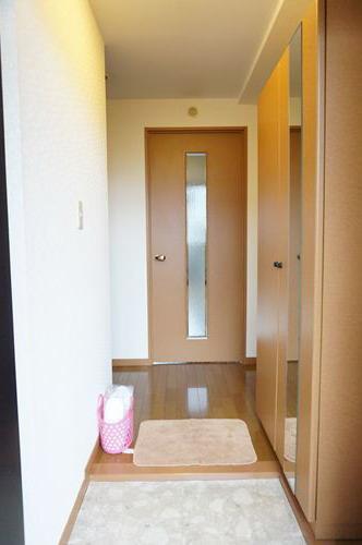 シャルム空港南 / 505号室玄関