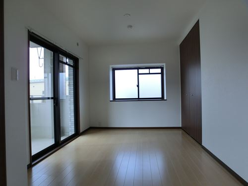 シングレート・ヒルズ / 203号室洋室