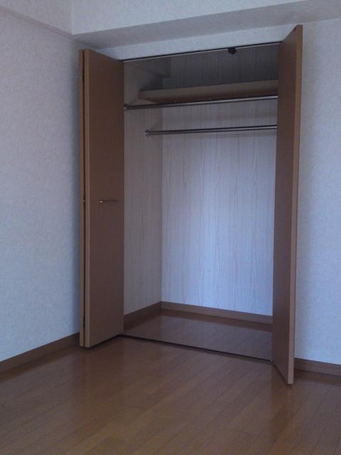 ネオパレス長者原Ⅱ / 305号室洋室