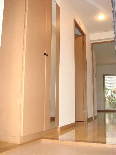 リヴェール高田 / 207号室玄関