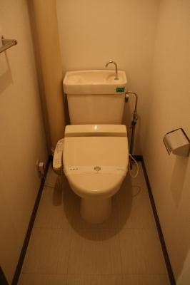 エスポワール空港通り / 301号室トイレ
