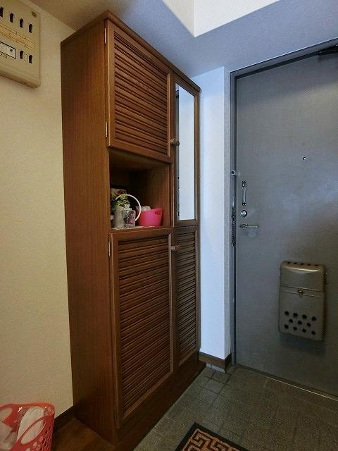 ハイ・コート(ペット可) / 302号室玄関