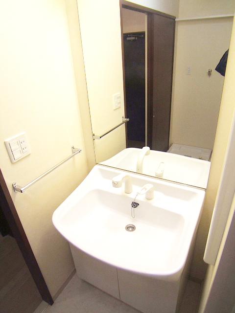 グランシャリオ / 601号室洗面所