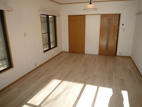 パークサイド黒川 / 202号室玄関