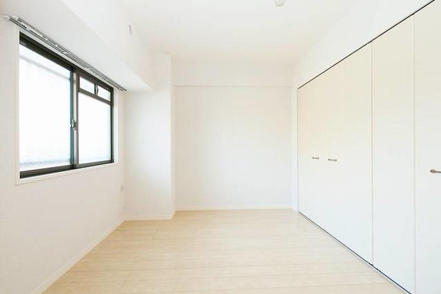 筥松なつめビル / 102号室洋室