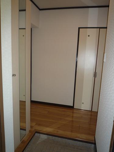 レジデンス秋根 / 301号室玄関