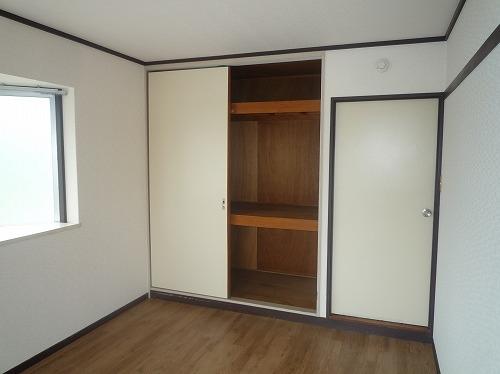 レジデンス牛房 / 102号室収納