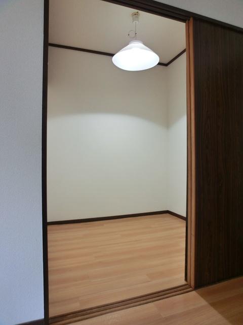 レジデンス牛房 / 303号室収納