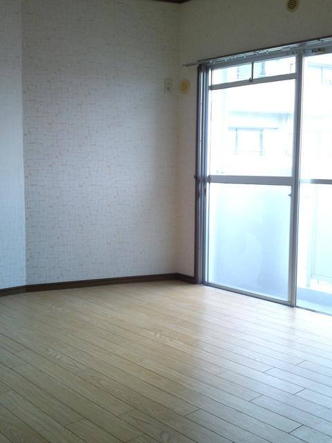 サンハイツKUDO / 301号室洋室
