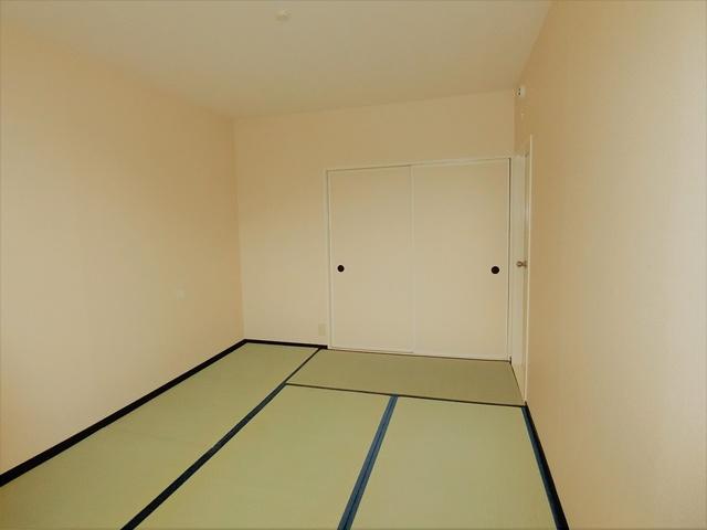 メロディーハイツ / 201号室和室