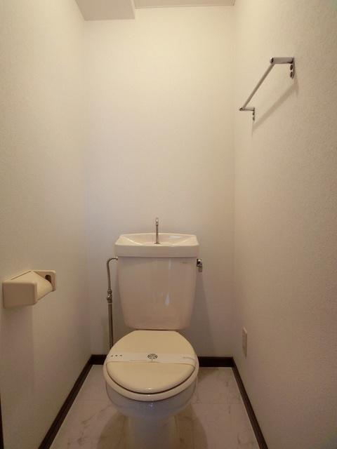 エスポワール長者原西 / 301号室トイレ