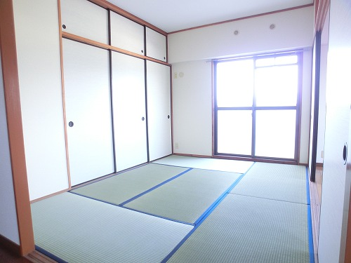 タウンコート志免 / 601号室和室