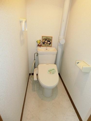 コムフォート・シティ / 102号室トイレ