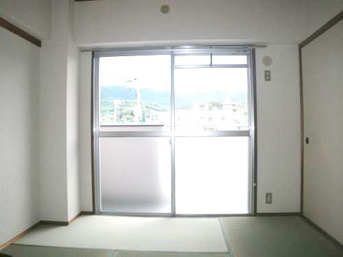 シティハイツ篠栗 / 302号室和室