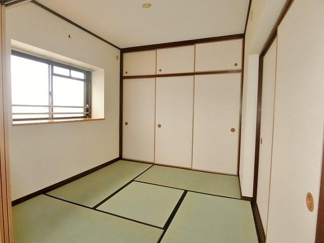 リバーサイド貝田 / 301号室和室