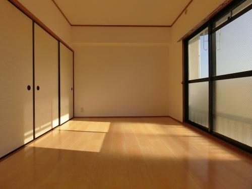 ハイ・アルブル迎田 / 403号室洋室